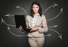 Поиск работы и аналита с графиками и девушкой дело