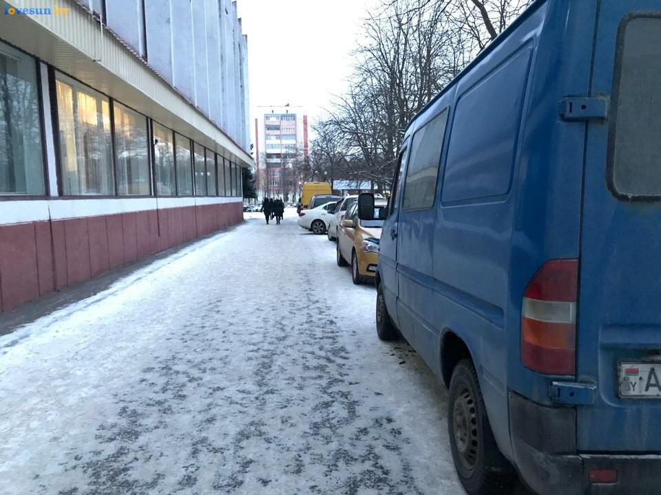 Выставка зимний ценопад в СЦК пожарный проезд автомобили