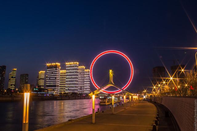 Тяньцзинь, Китай (колесо обозрения)