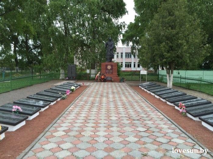 Братская могила в агрогородке Дуброва