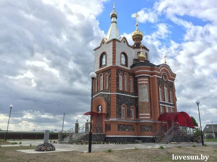 Храм церковь святого Николая в Дуброве