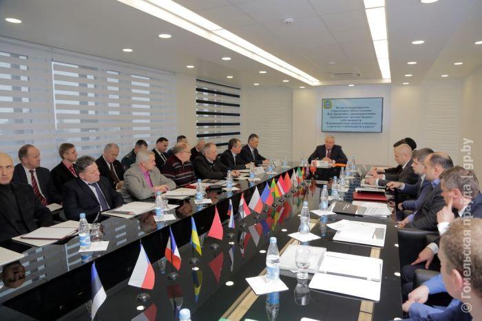 Владимир двоник на встрече между бизнесом и властью