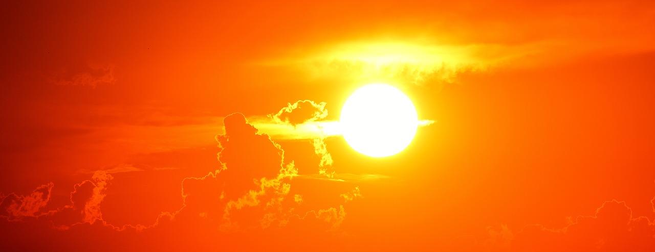 Солнце жарко небо облака