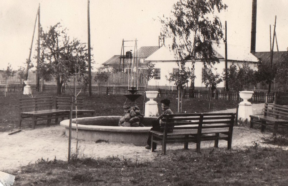 Сквер. Здымкі да 1958 г. Шатилки