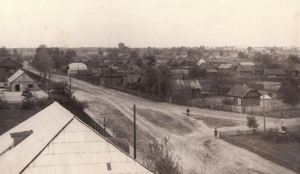 Цэнтральная вуліца (зараз Савецкая, старадаўні Горвальскі тракт). З левага боку – тэрыторыя суднаверфі. Здымкі да 1958 г. Шатилки