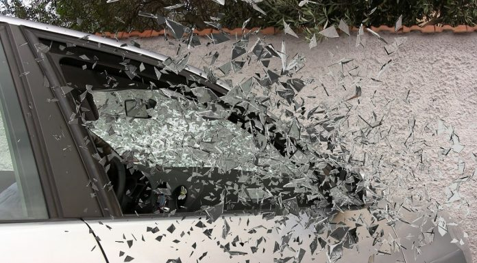 ДТП авария разбитое стекло (1)