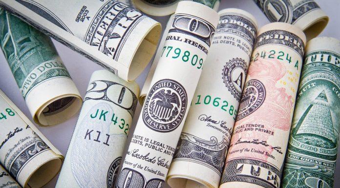 Доллары США деньги банкноты