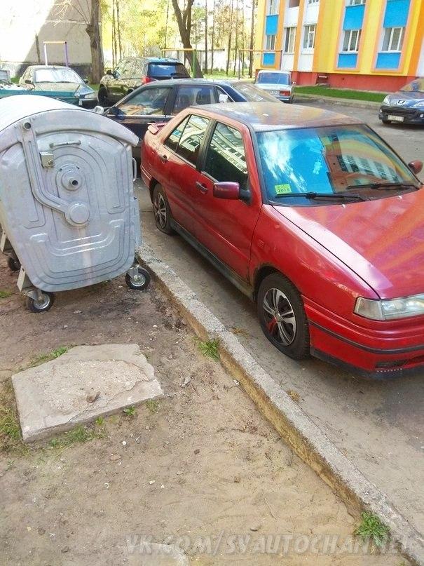 Автомобиль сеат толедо с порезанными покрышками