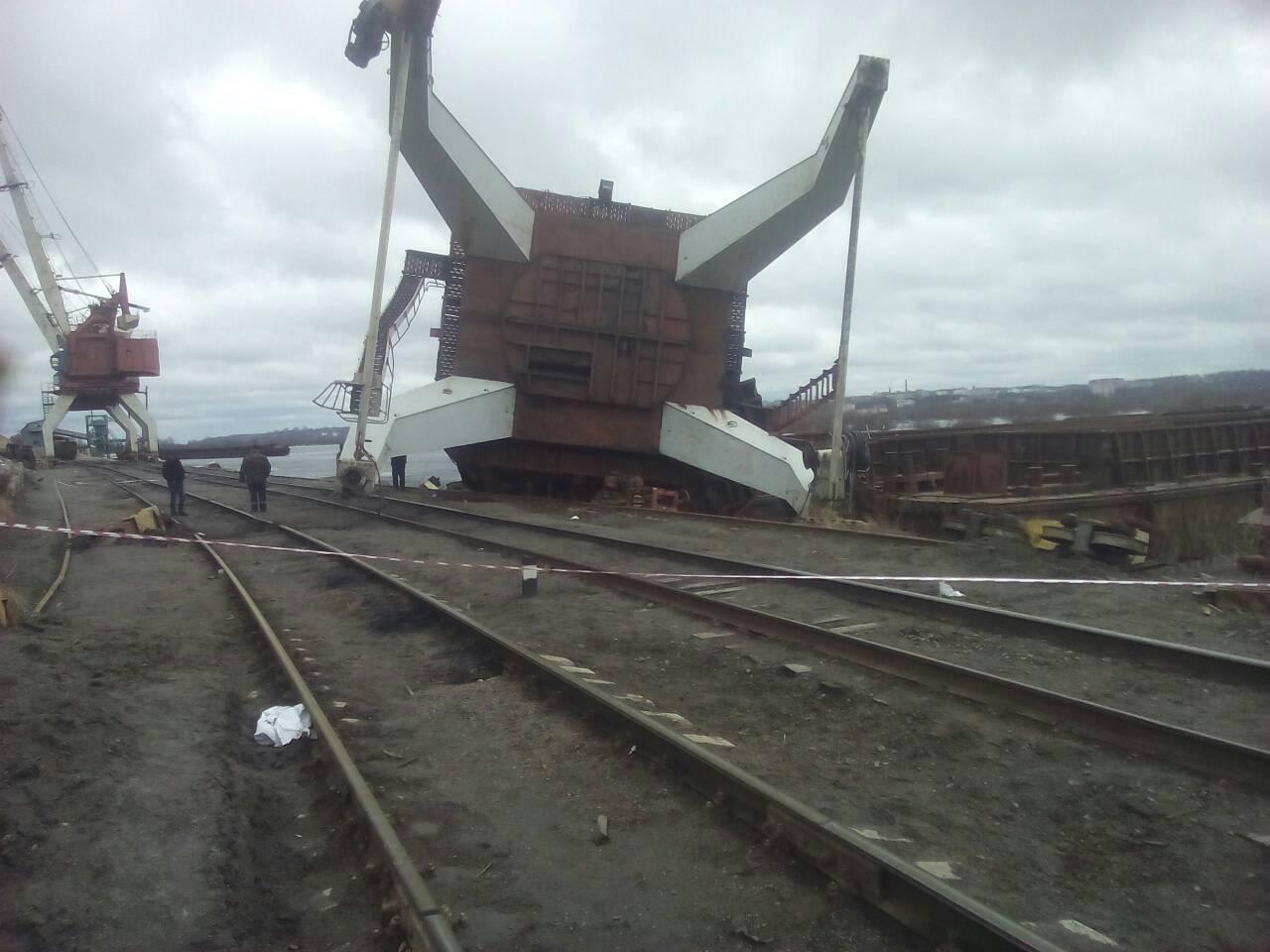 упавший портовой кран в Мозыре 2