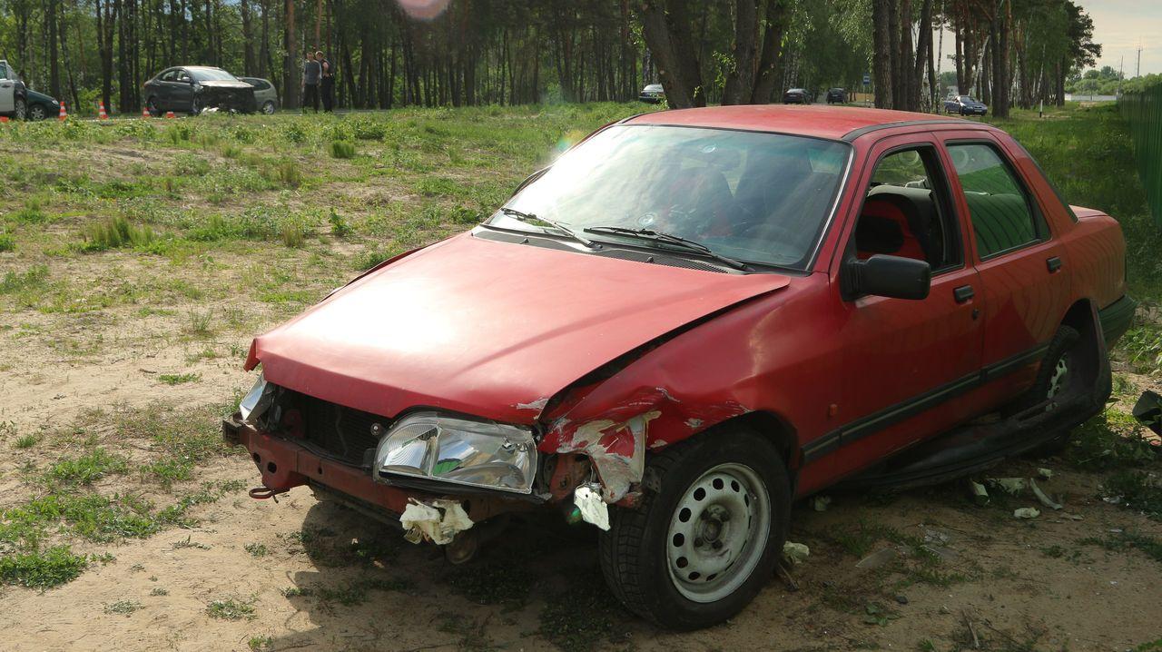 Автомобиль форд сиерра ДТП 2