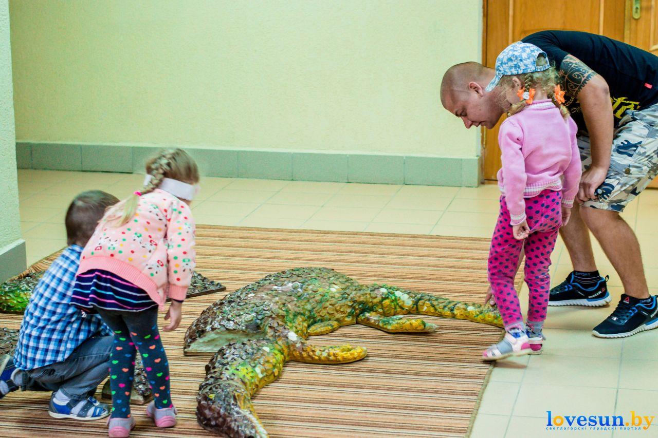 А вышло круто. Посмотрите фоторепортаж с выставки динозавров ручной работы
