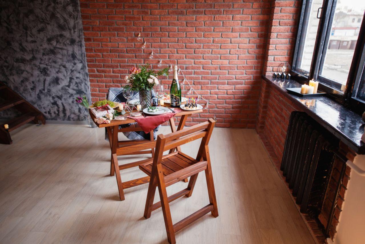 Открытие фотостудии Марсала в Светлогорске. Стол с шампанским
