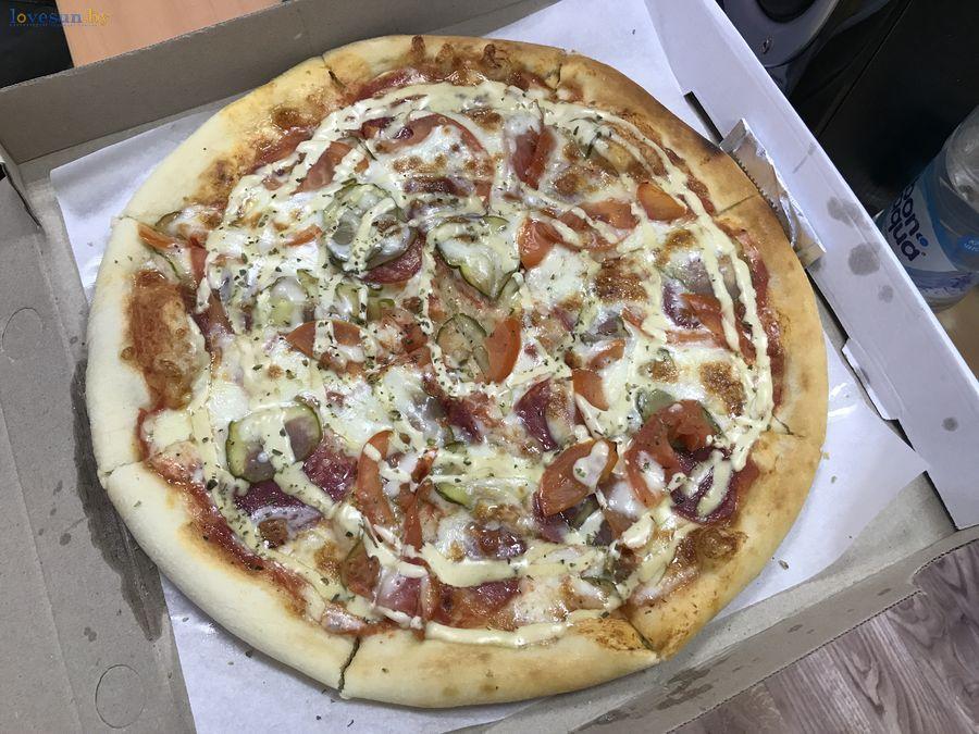 готовая пицца в коробке
