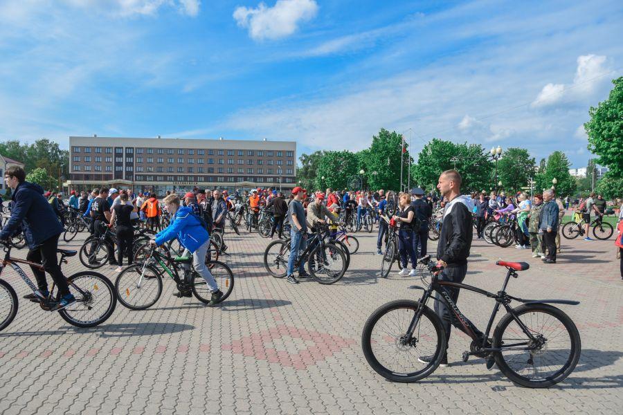 велопробег 2019 велосипедисты на площади