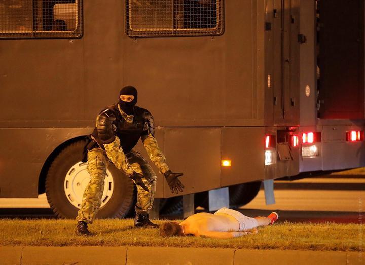 В вечер после выборов в центр Светлогорска вышли протестующие