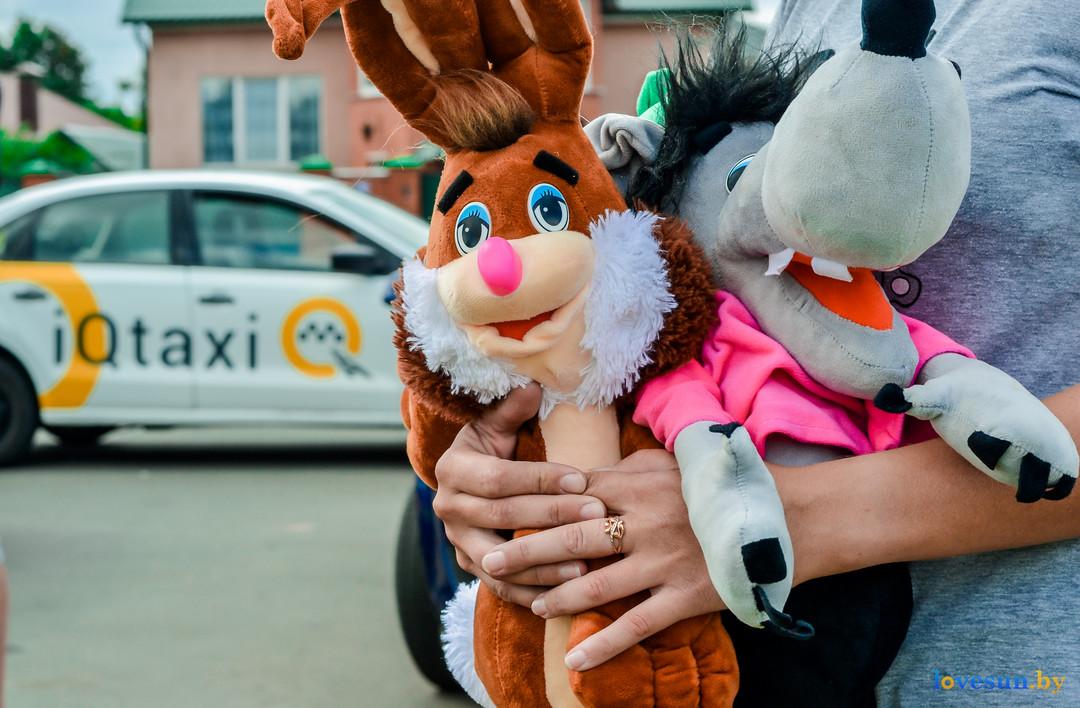 Водители IQ Taxi сделали что-то очень замечательное — помогли Роме, которого сбил Lexus