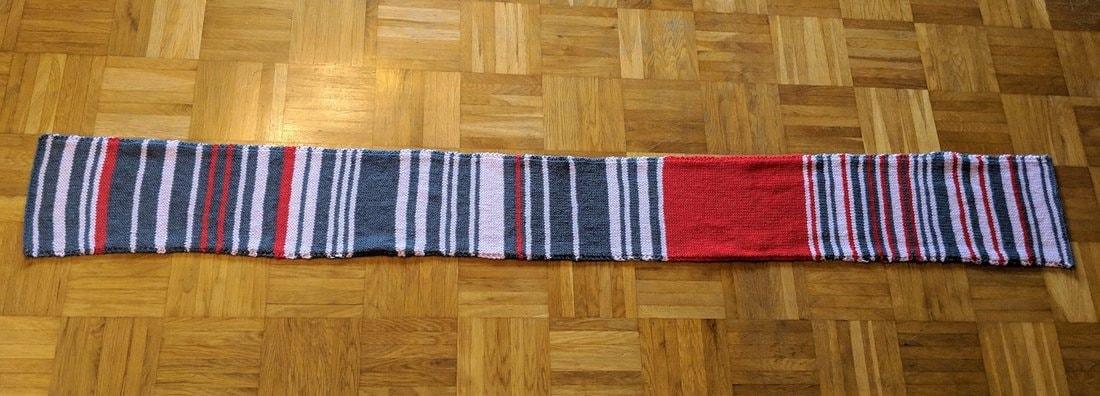 шарф на полу