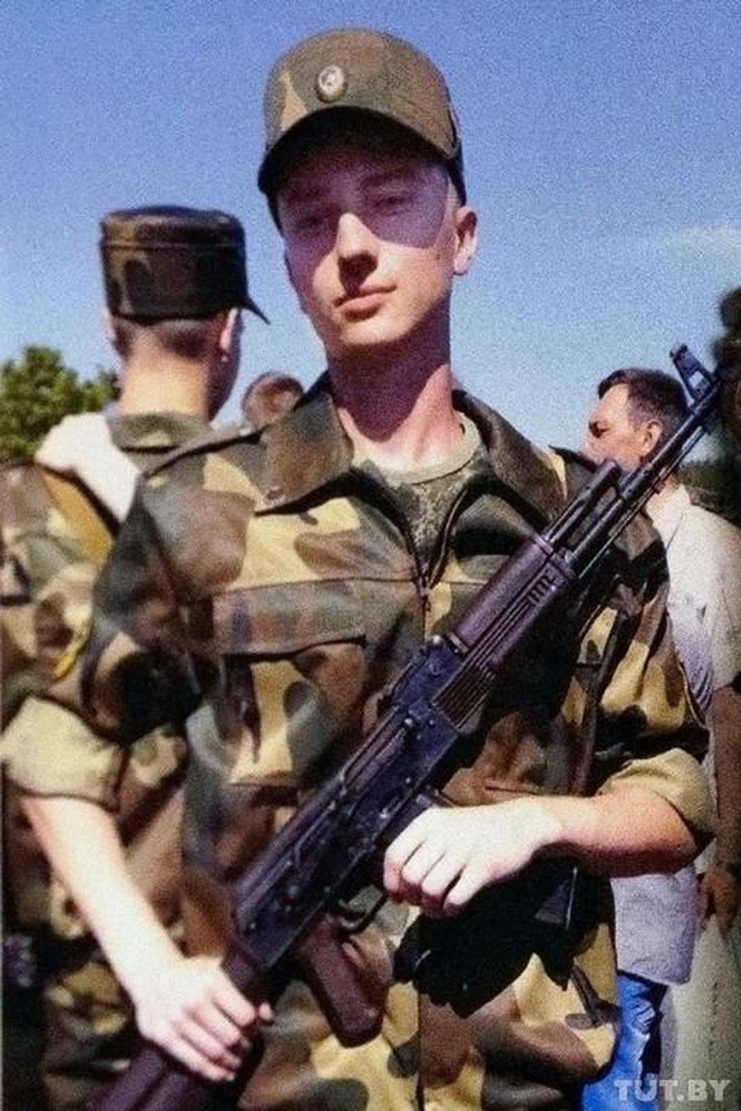 «Плачет. Значит, понимает меня». История солдата, который после ЧП в армии 7 месяцев усыхает в госпитале