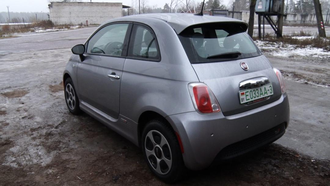 Электромобиль Fiat 500